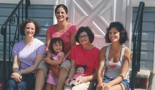 Amy Thomas Family-Life-01